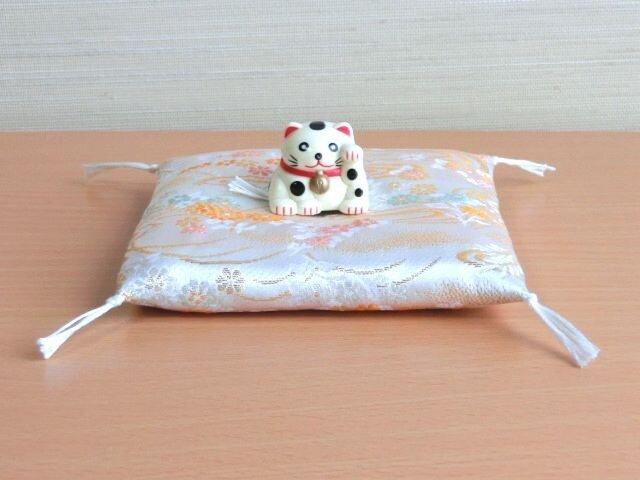 gさまご予約品 置物用お座布団 金襴 流水 12cm角の画像1枚目