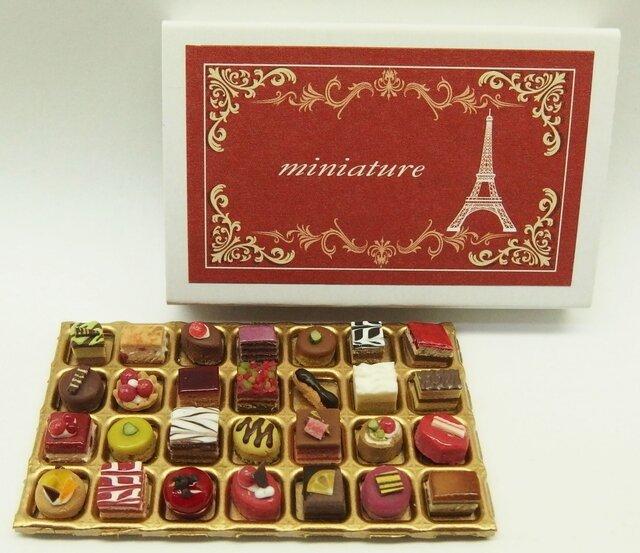 マッチ箱の中のミニチュア フランスのお菓子105の画像1枚目