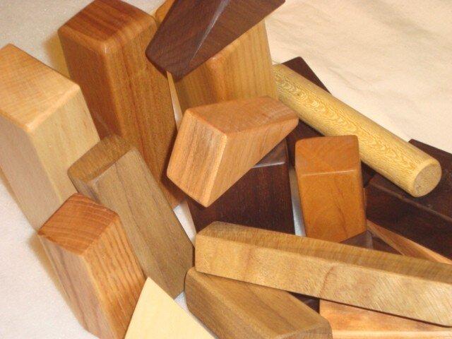 米油仕上げ 無垢の木の積み木 オリジナル収納袋付き!の画像1枚目