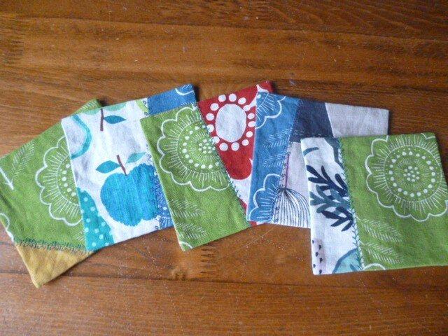 8北欧調綿麻のミシン刺繍パッチコースターセットの画像1枚目