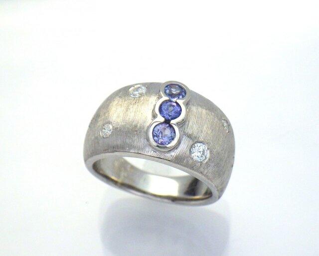 K18WG タンザナイト&ダイヤモンドリングの画像1枚目