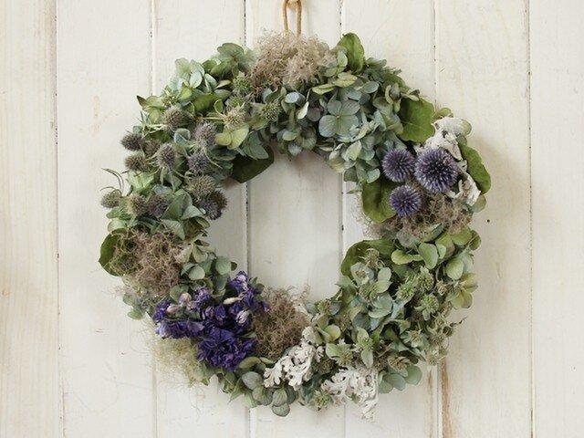 紫陽花とブルーの花々のリースの画像1枚目