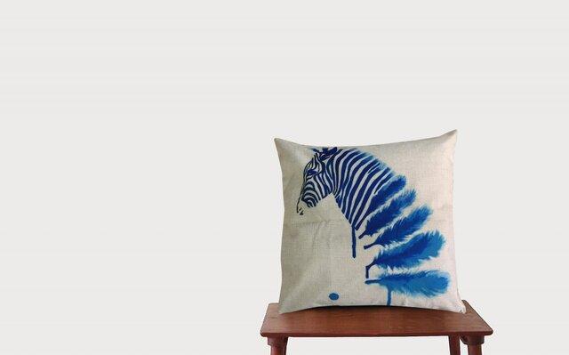 森のクッション zebra blue   ヒノキの香りの画像1枚目