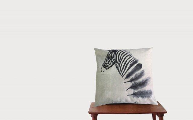 森のクッション zebra black   ヒノキの香りの画像1枚目