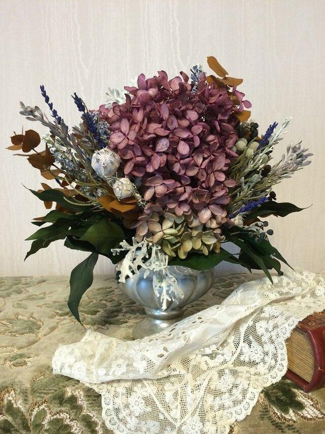 紫陽花のシャビースタイルアレンジメントの画像1枚目