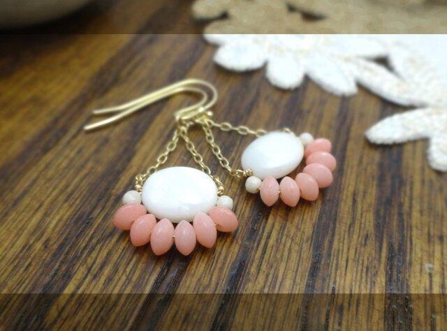 ピンク色の珊瑚c pierce・earingの画像1枚目