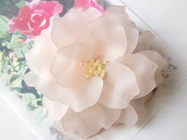 芍薬のコサージュ(ライトピンク)の画像1枚目