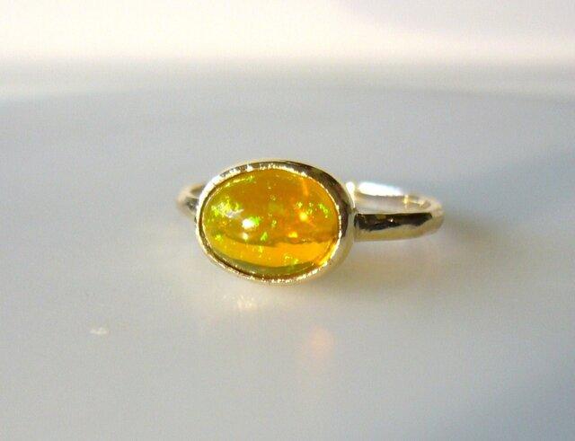 エチオピアンオパールの指輪(オレンジ)の画像1枚目