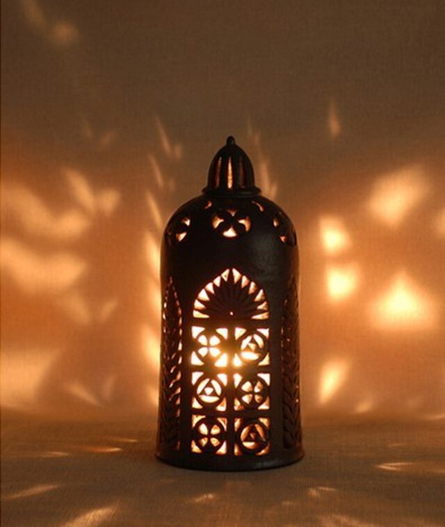 モスクのランプの画像1枚目