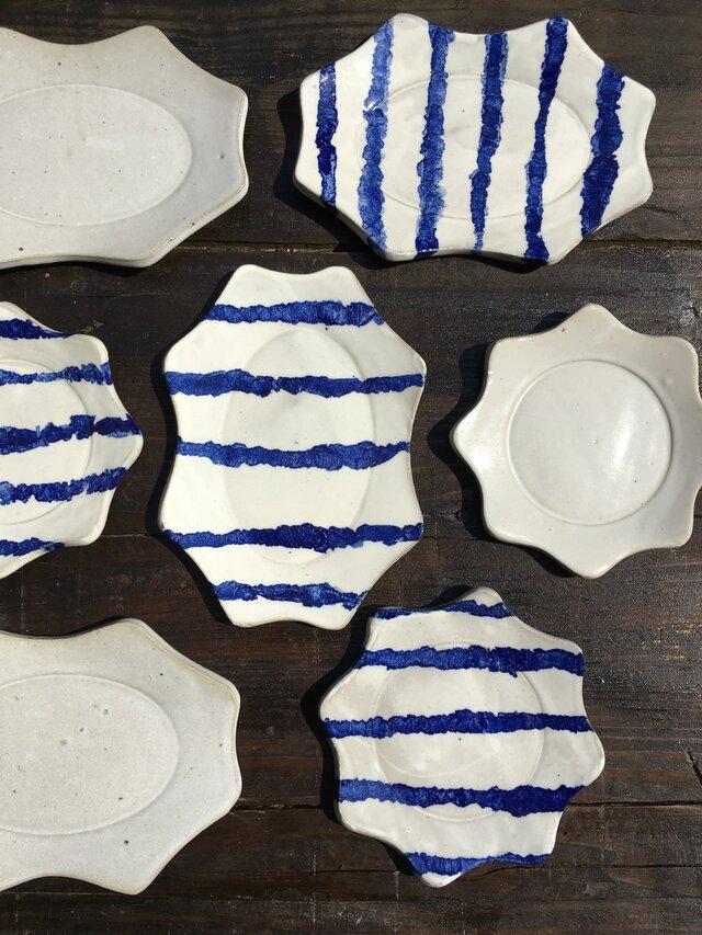 マットホワイト波丸リム皿の画像1枚目