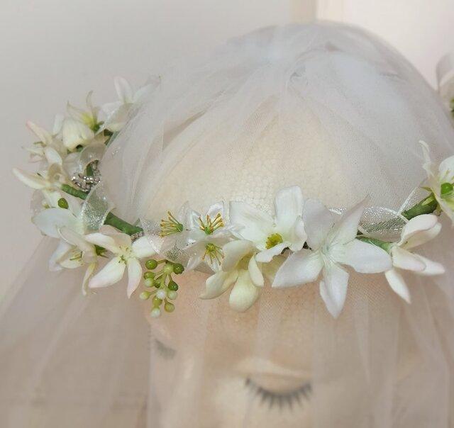 【受注生産作品】エルザの花冠 ジャスミンとブプレリュームビジューガーランド付☆*:.ピュアホワイトの画像1枚目