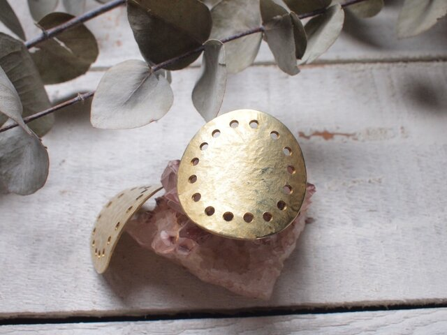 日の輪 大きめ真鍮コンチョ・さらさら 湾曲の画像1枚目