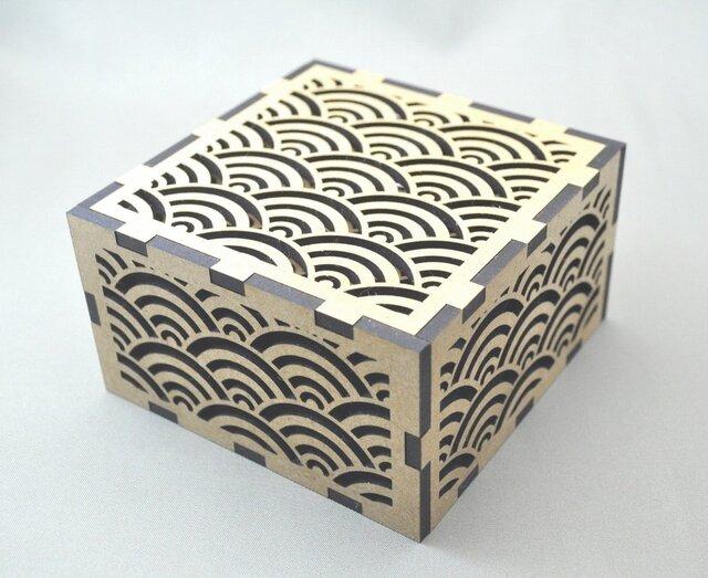 ~和柄コースター~ 青海波(せいがいは)模様 12枚セット 青海波模様のオリジナルの箱付。の画像1枚目