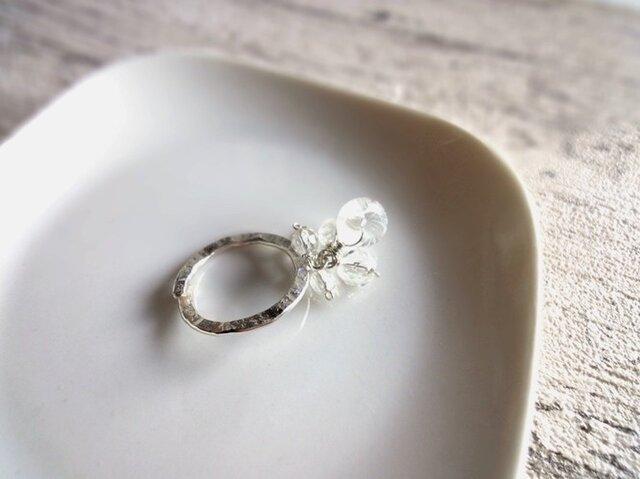 硝子の蜻蛉玉■アラカルト水晶×ハンマー加工のシルバーリング フリーサイズの画像1枚目