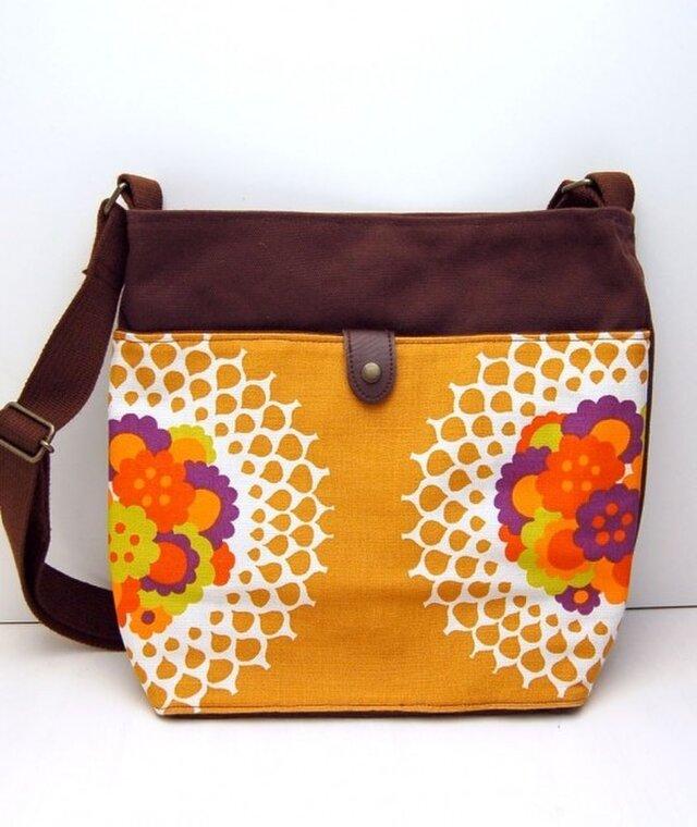 ヴィンテージファブリック x 帆布 レトロな斜め掛けショルダーバッグ(Flower Lace)の画像1枚目