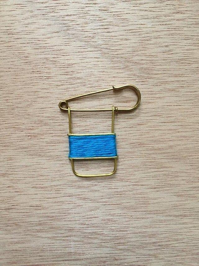 ブラスラインブローチ turquoise blueの画像1枚目