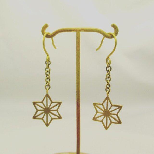 麻柄紋様フックピアス Long[真鍮] 両耳セットの画像1枚目