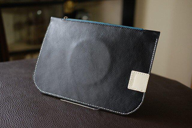サンプル品のためSALE!/手縫いレザーケース/黒/フラットポーチの画像1枚目