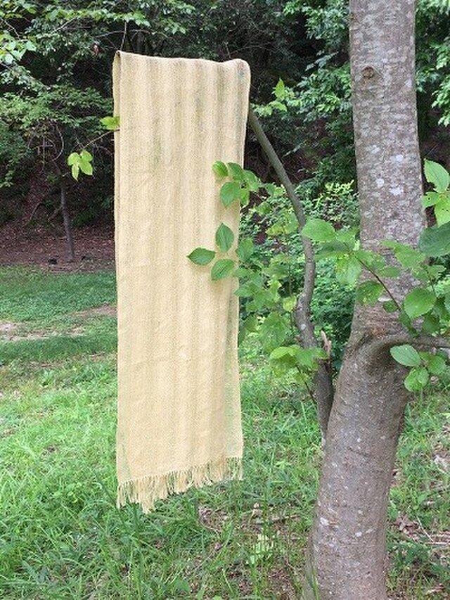 透かし織りヘンプストール・刈安染めの画像1枚目