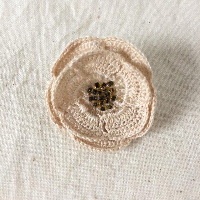 【受注生産】flower brooch C - オフホワイト②の画像1枚目