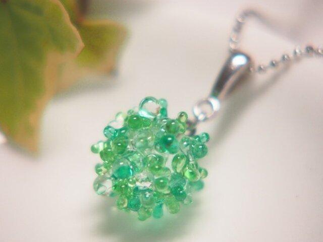 露の玉ネックレス 緑の画像1枚目