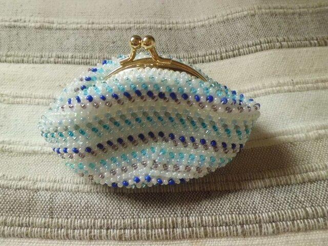 ビーズ編みがま口財布 青色ストライプ柄の画像1枚目