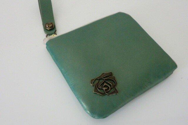 ナチュラルグリーン ハーフウオレット 革の画像1枚目