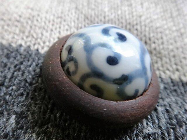 ボタン 磁器と紫檀 唐草の画像1枚目