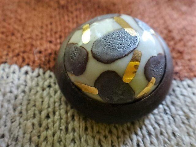 ボタン 磁器と紫檀 金茶の画像1枚目