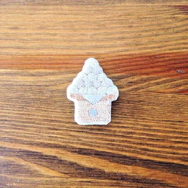 刺繍ブローチ 「月見団子」の画像1枚目