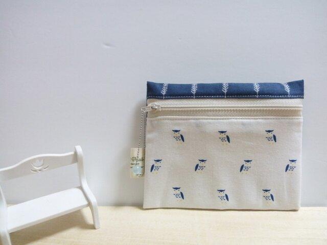 きょとんとしたふくろうさん☆ ティッシュケース付きポーチ(白い羽) の画像1枚目