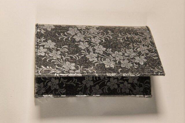 ギルディング和紙カードケース 桔梗黒地銀箔の画像1枚目