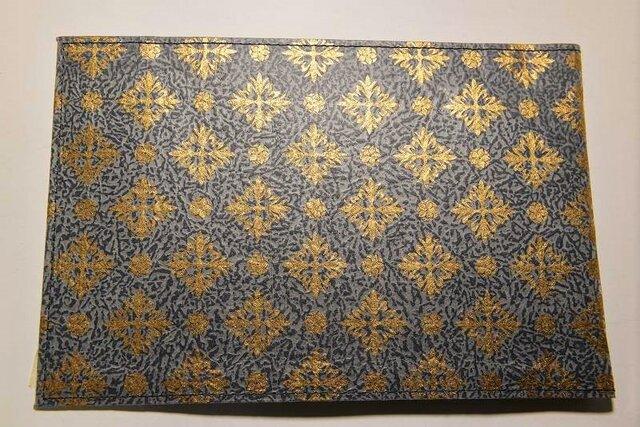 ギルディング和紙ブックカバー 洋花紺地金箔の画像1枚目