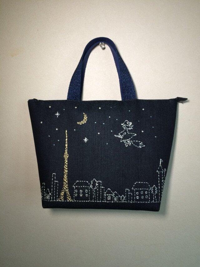 《受注製作》夜空に浮かぶ東京タワーと魔女 刺繍バッグの画像1枚目