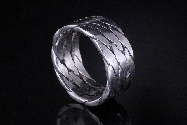 指輪 メンズ : ツイストトリプルリング 4~27号の画像1枚目