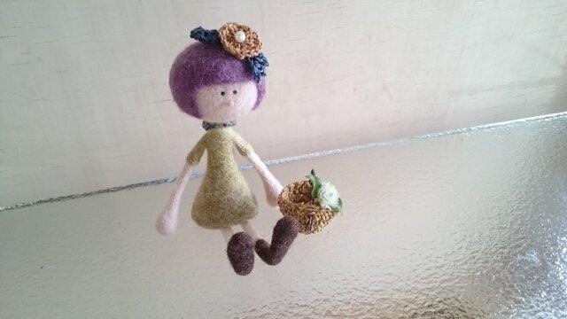 花飾りの女の子〜紫色の髪の画像1枚目