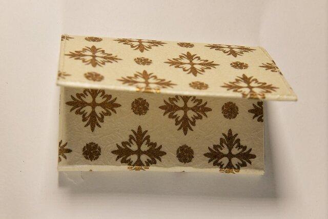ギルディング和紙カードケース 西洋花白地金箔の画像1枚目