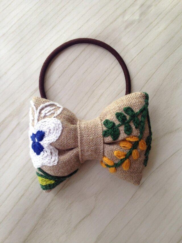 リボンのヘアゴム☆刺繍☆flowerの画像1枚目