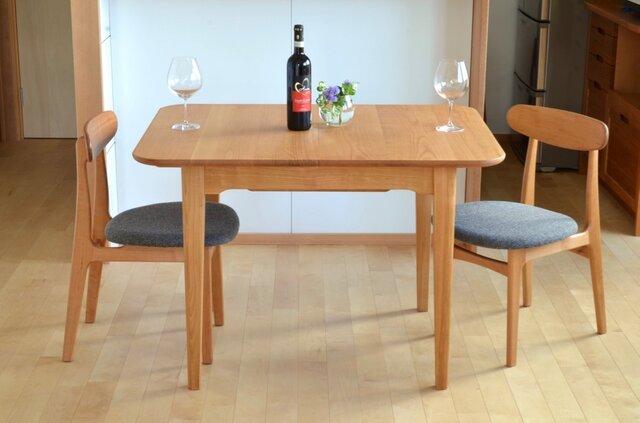 山桜の伸びるテーブル(2〜6人)の画像1枚目