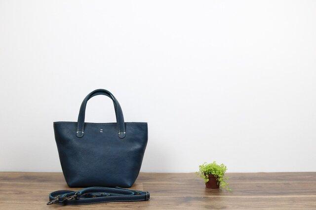 革の2WAYバッグ 長財布も入る大きなファスナー ブルーの画像1枚目