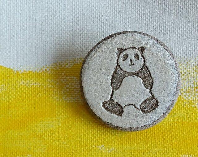 陶ブローチ パンダの画像1枚目