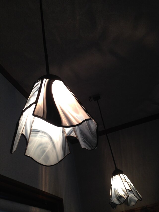 白黒ランプ(yumi saiki)の画像1枚目