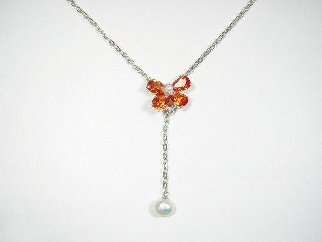 花のネックレスの画像1枚目