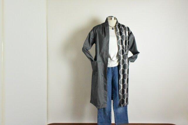 さっと羽織れば様になる、ローブカーディガン(久留米絣×シャンブレー)の画像1枚目