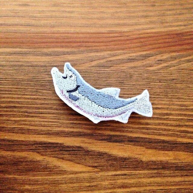 刺繍ブローチ 「秋鮭」の画像1枚目