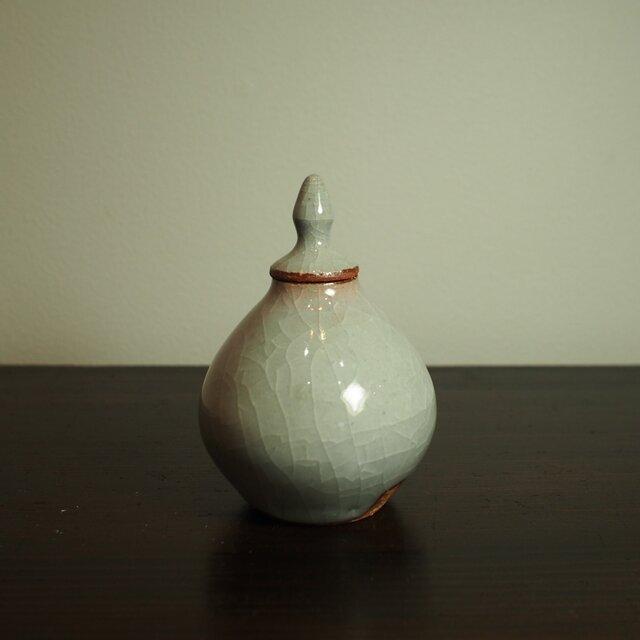 白瓷の蓋物。金平糖入れ、振出としても、お抹茶入れとしても!Cの画像1枚目