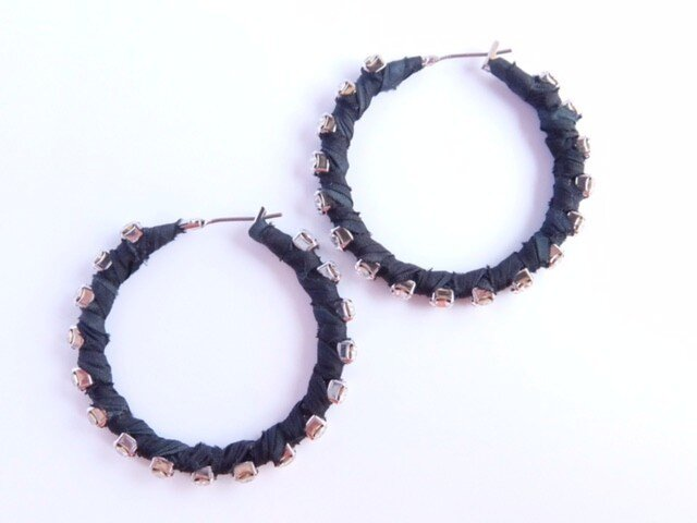 bijou circle pierce /bkの画像1枚目