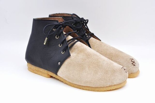 #Tokuyama Shoes:『plie boots』beige &black suede&smooth leatherの画像1枚目