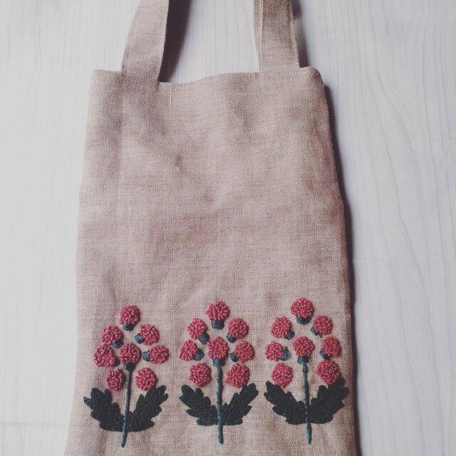 花の刺繍のミニバッグの画像1枚目