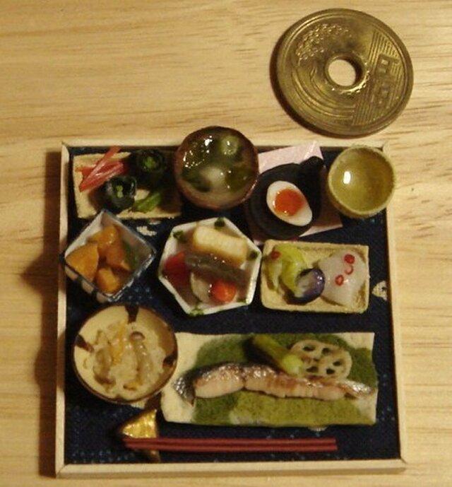 ★甘塩鮭定食・千鳥濃紺柄の画像1枚目